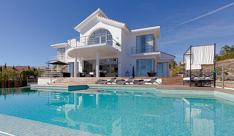 3 Bed Luxury Villa On Los Flamingos Golf, Marbella - AH1953
