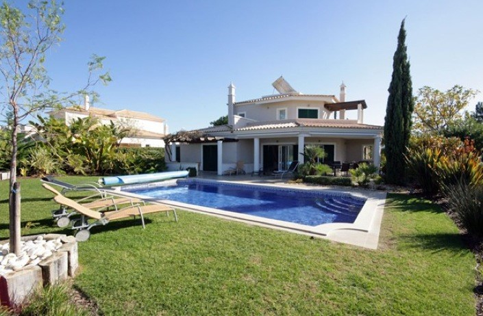 Beautiful 4 Bed Villa On Vila Sol With Heated Pool - AH720