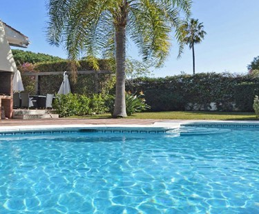 AH2364 - 5 Bedroom Villa near San Pedro/Puerto Banus and only 50 m from Beach