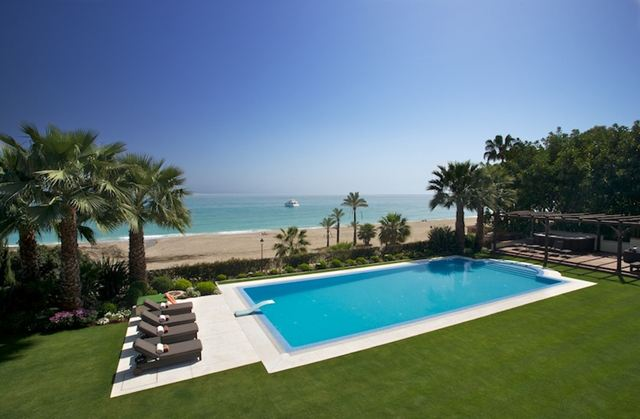 AH2506 - 10 Bed Luxury Villa Marbella Club