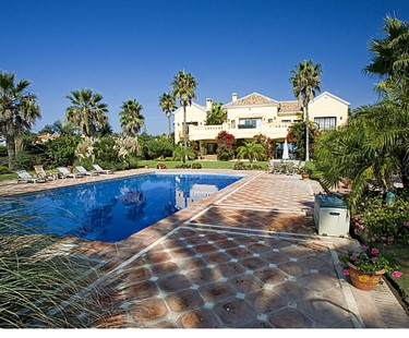 AH818 - Luxury Frontline 8 Bedroom Villa in Marbella