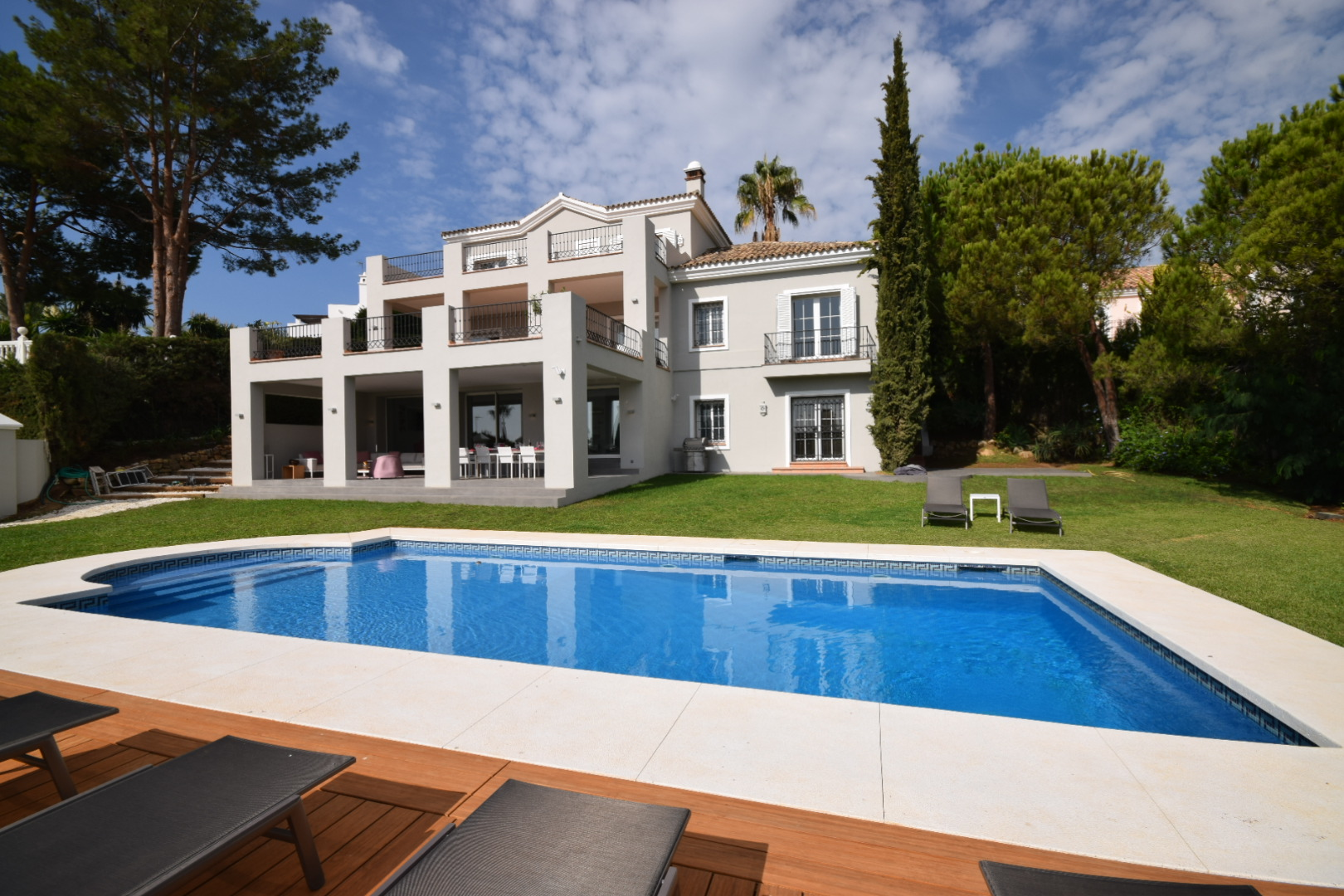 AH2756 - Ideal 5 bed Family Villa With Gym and Pool Table