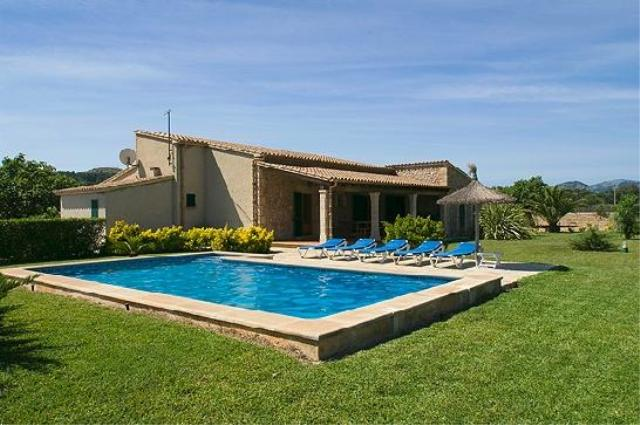 AH763 - 3 Bed Villa Walking Distance From Puerto Pollensa and Beaches