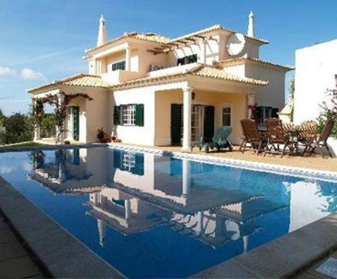 AH1460 - Family Villa With 3 Bedrooms in Almancil