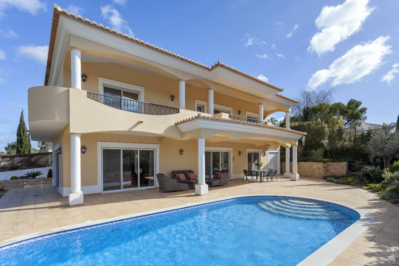 AH2796 - Luxury 4 Bed Villa Nr Vale Do Lobo