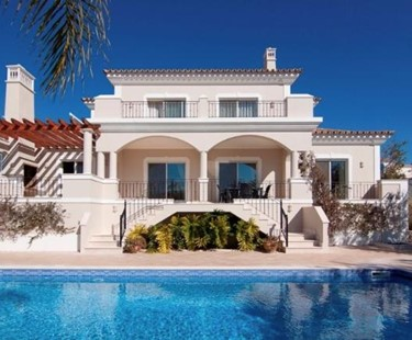 AH2371 - Beautiful Four Bedroom Villa located in Varandas do Lago