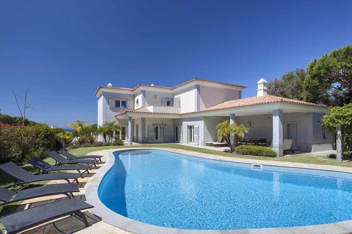 AH2689 - Large 5 bed Villa Vale Do Lobo Walking To Praca