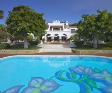 AH2164 - Front line beach villa on Marbella's Golden Mile