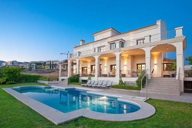 AH2254 - Luxury 5 Bed Villa On Los Flamingos Golf Resort
