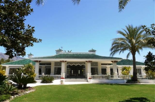AH2389 - Enchanting 11 Bedroom Villa Short Drive to Puerto Banus