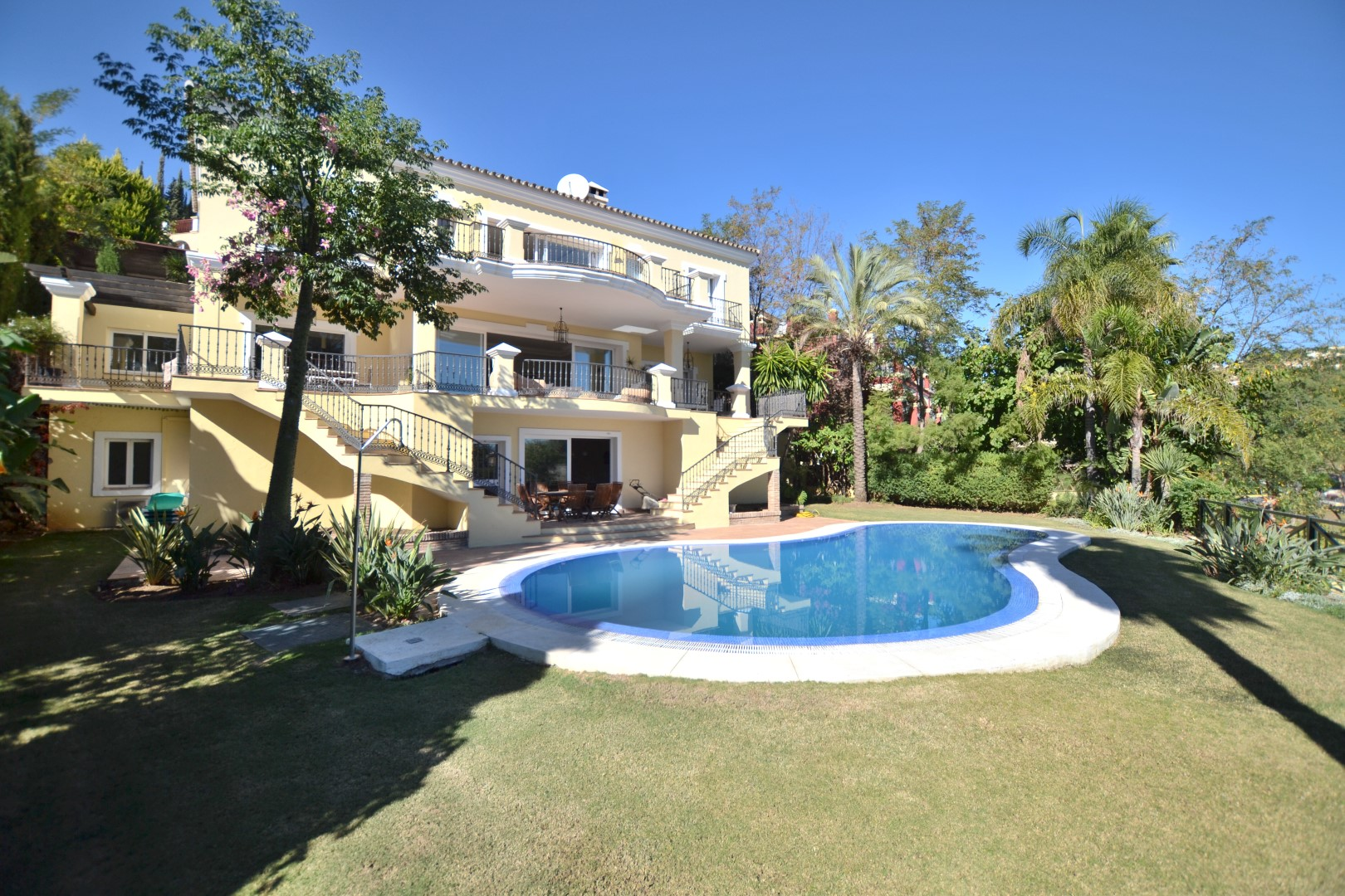 AH2816 - 7 Bed Family Villa La Quinta, Benahavis