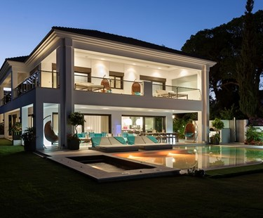 AH2822 - Contemporary 5 Bed Villa at Marbella Club Hotel