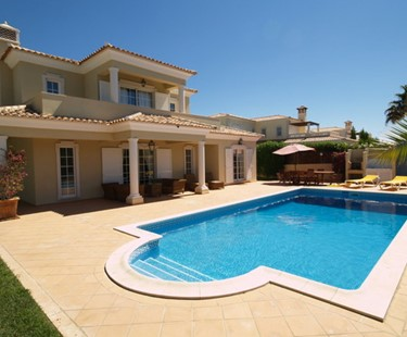 AH1478 - 4 Bed Detached Villa With Private Pool In Varandas Do Lago