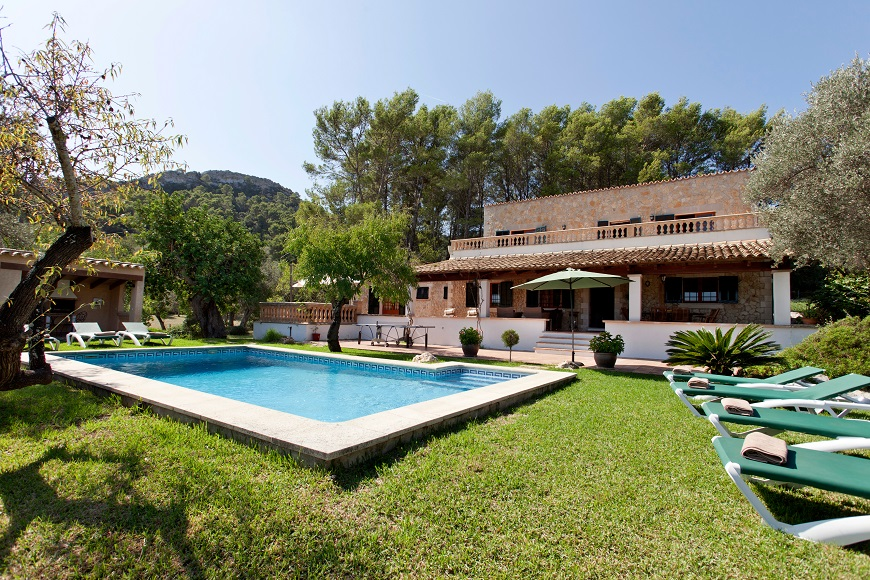 AH2827 - 5 bed Villa Near Pollensa Golf