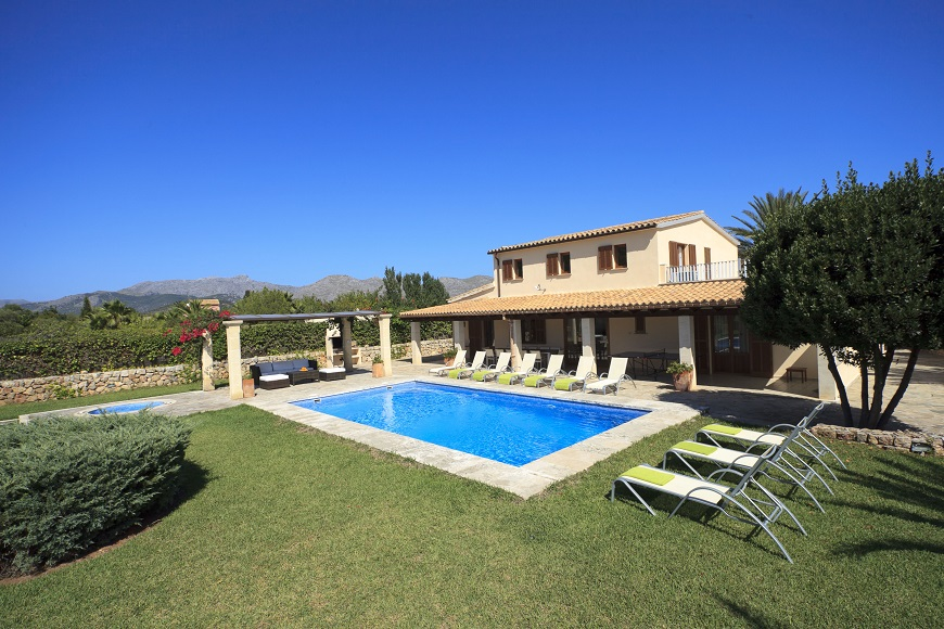 AH1270 - 5 Bed Villa With Private Heated Pool In Mallorca