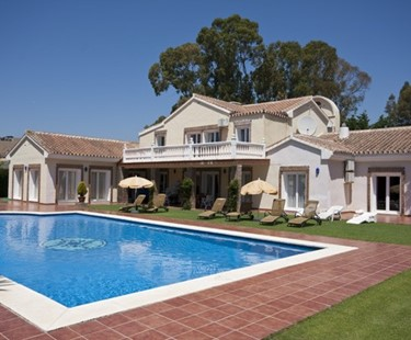 AH449 - 6 Bed Villa To Rent In Estepona