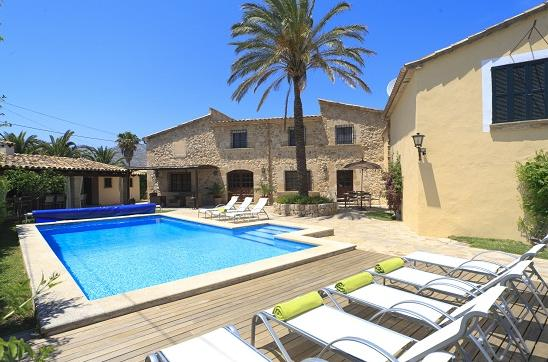 AH877 - 4 Bed Villa Between Pollensa and Puerto Pollensa