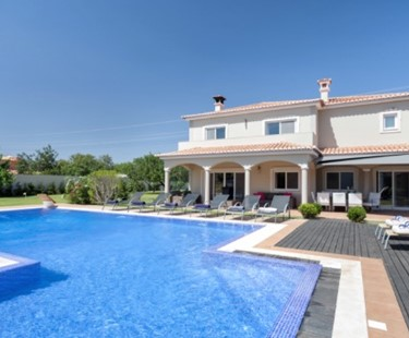 AH2839 - Contemporary 5 Bed Villa In Vilamoura To Rent