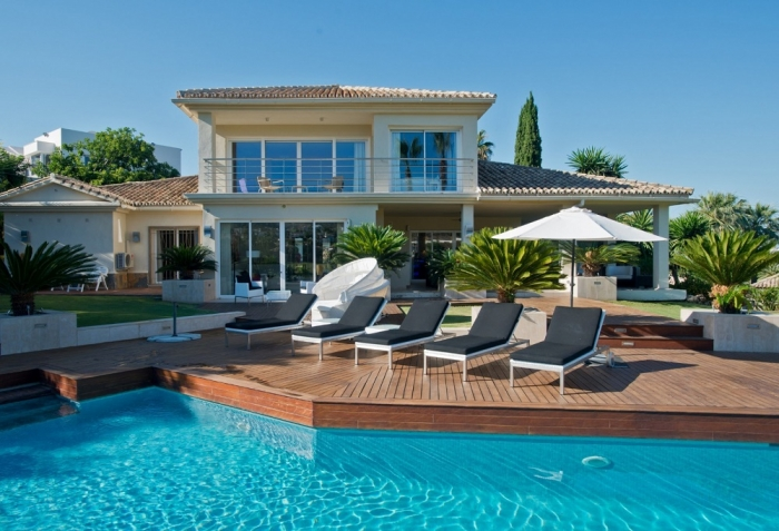 AH2102 - Modern Luxury Villa with Heated Pool In Nueva Andalucia