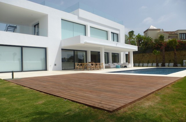AH2852 - Modern 4 bed villa Altos de Puente Romano on Marbellas Golden Mile