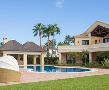 AH2645 - 6 bed Beachfront Villa Las Chapas