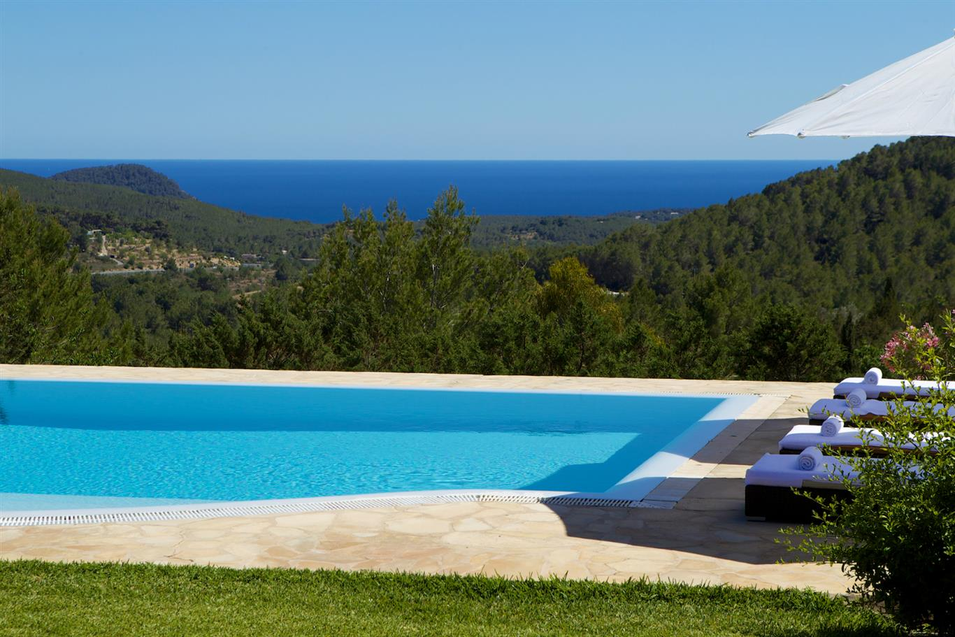 AH2914 - Modern Finca Close To Ibiza Town With Tennis Court