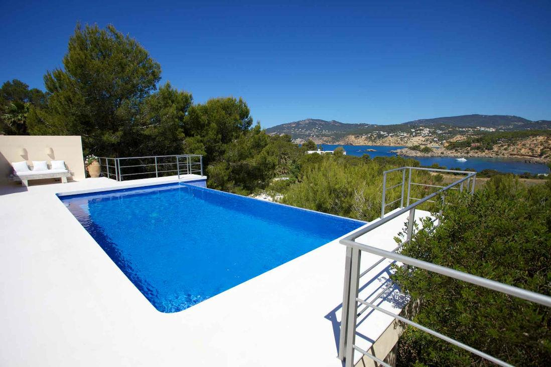 AH2915 - Stylish 5 bed Villa In Porroig With Stunning Sea Views