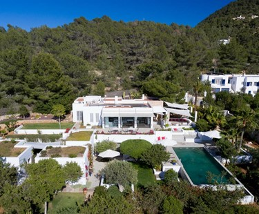 AH2917 - Stylish 6 Bed On Cala Tarida With Panoramic Views