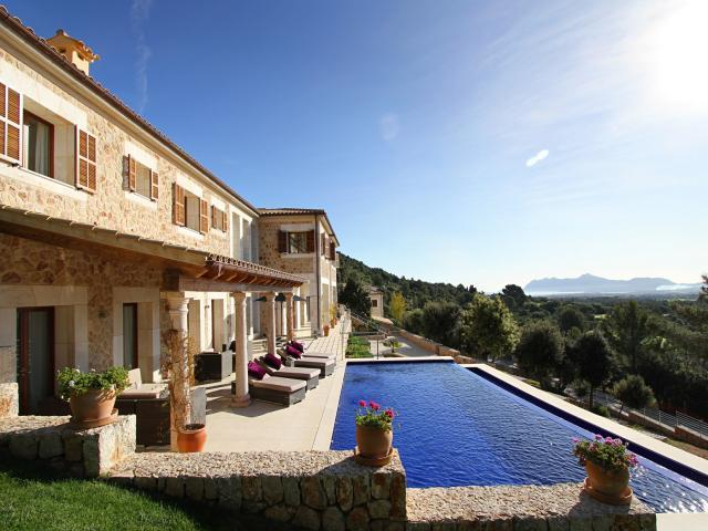 AH2867 - Luxury 6 Bedroom Pollensa Golf