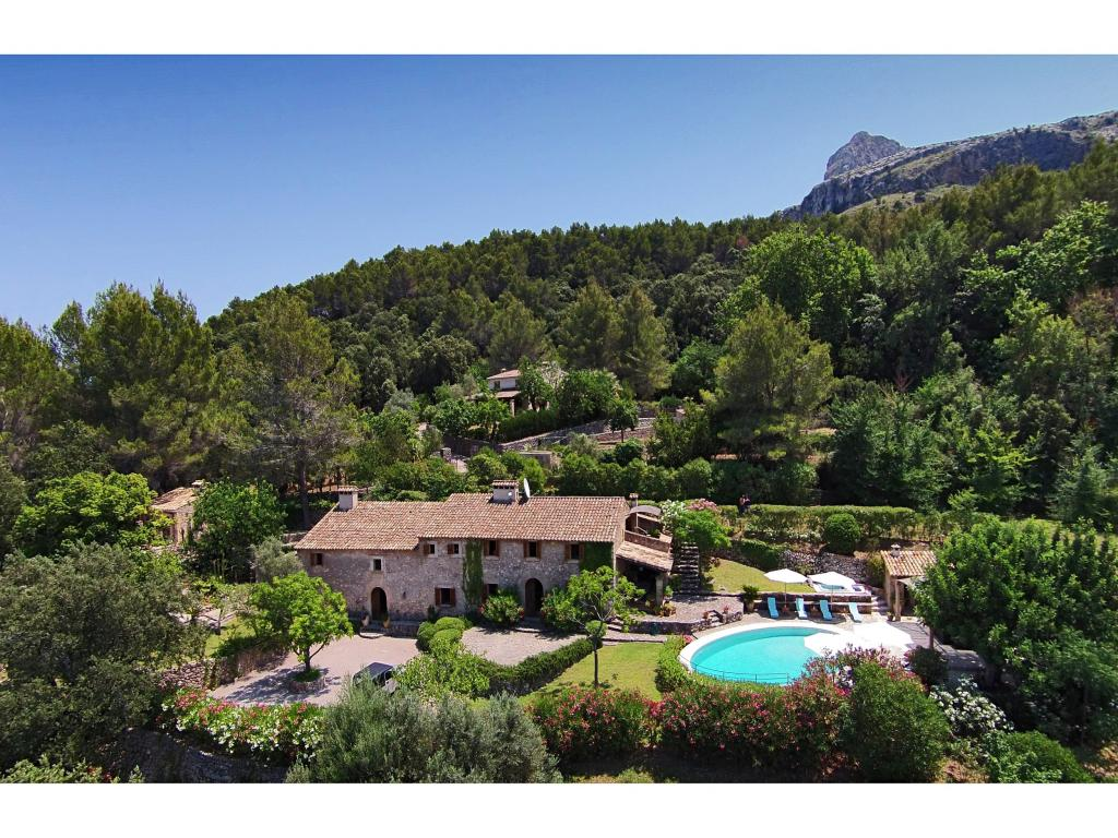 AH2866 - 7 Bed Pollensa Villa With Mountain Views