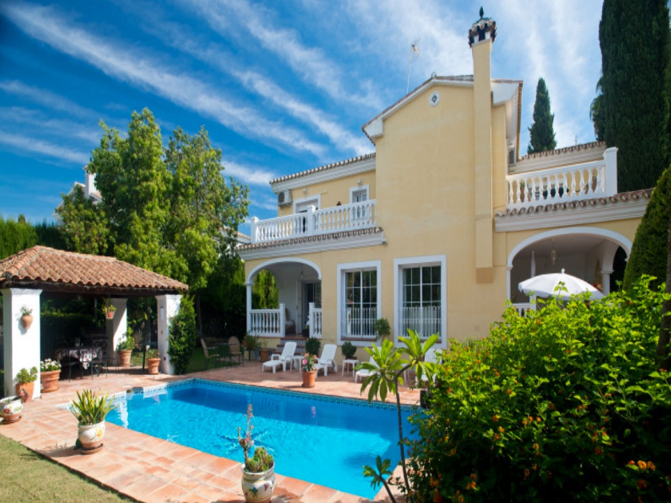 AH1379 - Beautiful 5 Bed Villa To Rent Parcelas Del Golf Nueva Andalucía