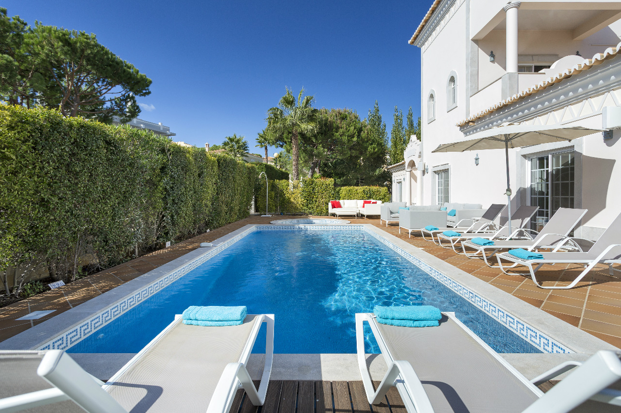 AH1469 - 5 Bed Luxury Varandas Do lago Villa With Private Pool