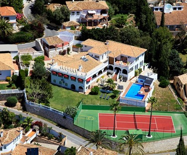 AH2698 - Incredible Villa sleeps 28 guests with tennis court games rooms and much more