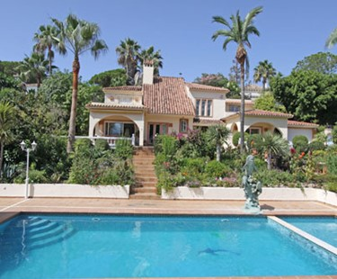 AH2200 - 6 Bed High Standard Villa Puerto Banus Nueva Andalucia Heated Pool