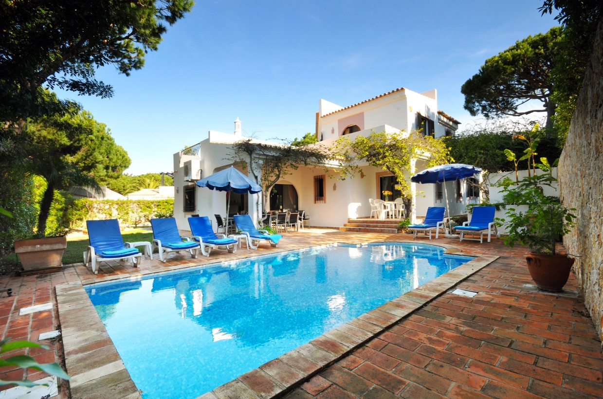 AH2886 - Lovely 3 Bed Villa In Dunas Douradas