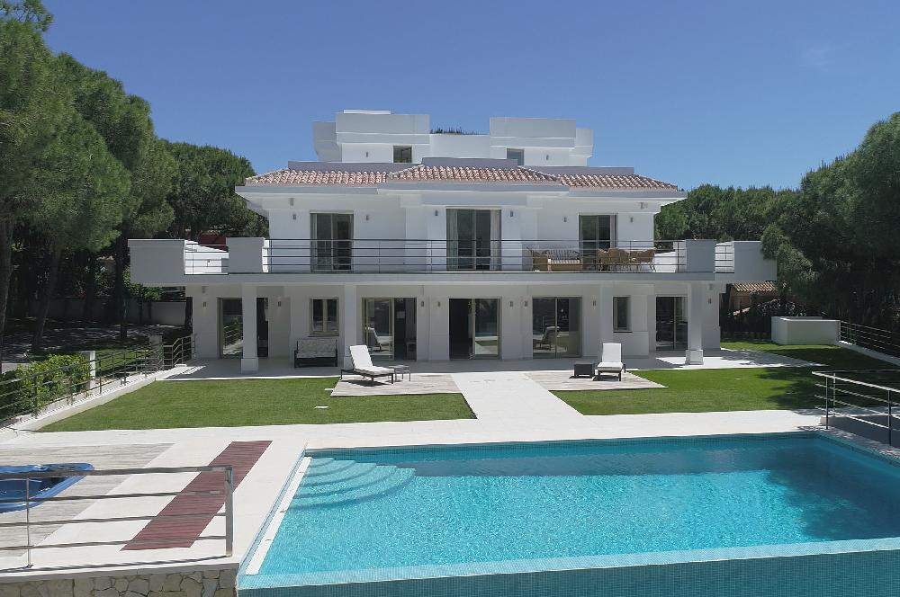 AH2896 - Stunning contemporary villa 5 bedrooms heated pool Las Chapas Marbella
