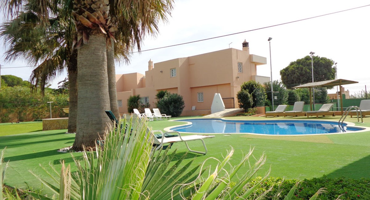 AH1355 - 6 Bed Villa With Cottage, Tennis Court and Walking Distance To Beach, Quarteria