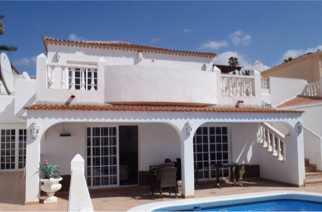 AH2956 - Large 3 Callao Salvaje 3 Bed With Heated Pool