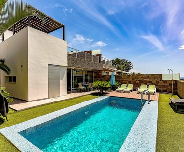 AH2277 - Luxury 5 Bedroom Villa in Del Duque