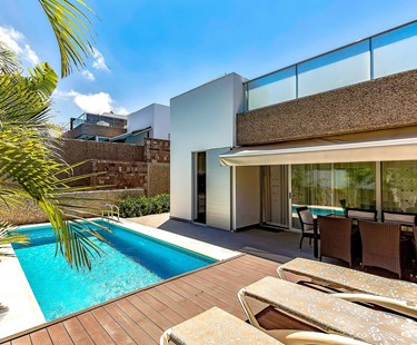 AH2959 - Modern Del Duque 5 Bed Villa 200metres from the beach