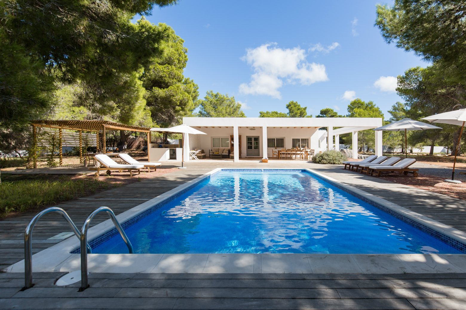 AH2926 - Modern 4 Bed Villa Next To Cala Jondal