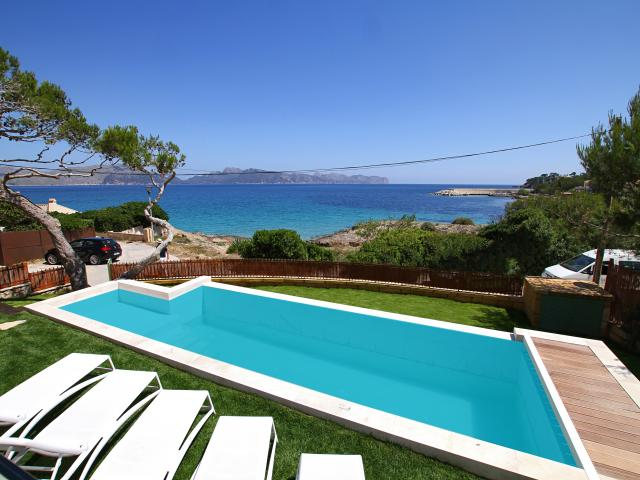 AH2971 - Contemporary 4 Bed Frontline Holiday Villa in Mal Pas