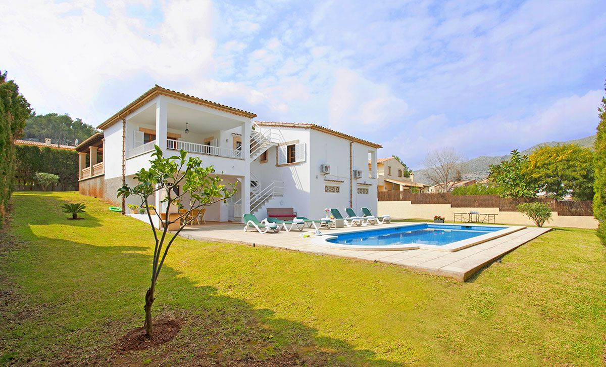 AH2282 - Lovely 4 Bedroom Villa Walking To Puerto Pollensa