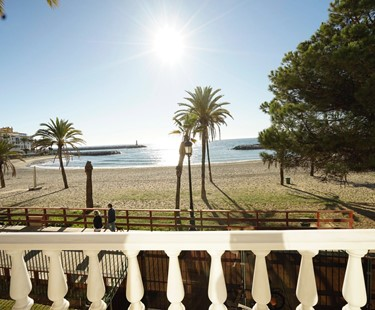 AH2974 - Stunning 3 Bed Luxury Beachfront Apartment Puerto Banus