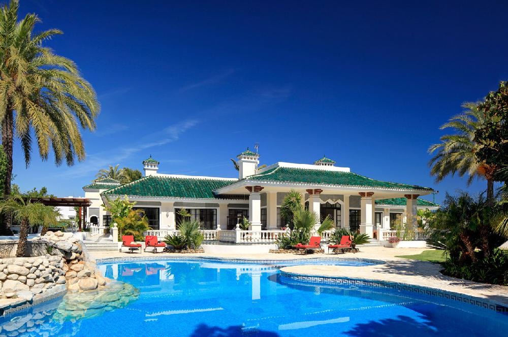 AH2818 - Luxury 10 Bed Villa Nr Puerto Banus