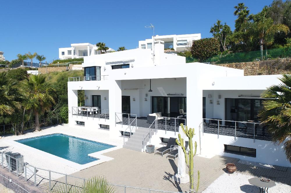 AH2983 - Fantastic 4 Bed Villa With Panoramic Views In Benahavis