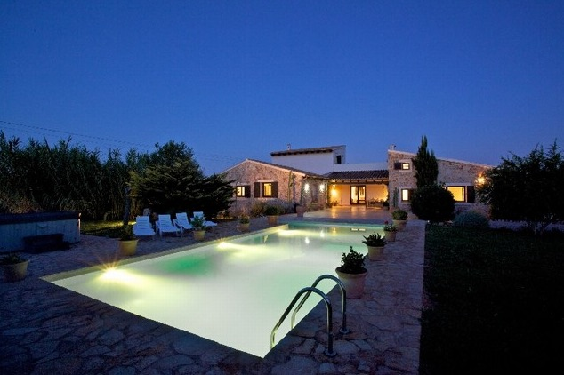 AH2987 - Lovely 6 Bed Villa With Private Pool And Hot Tub Walking To Puerto Pollensa