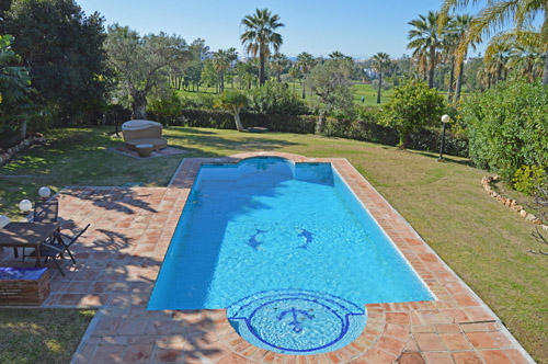 AH2989 - Lovely 4 Bed Villa In Nueva Andalucia