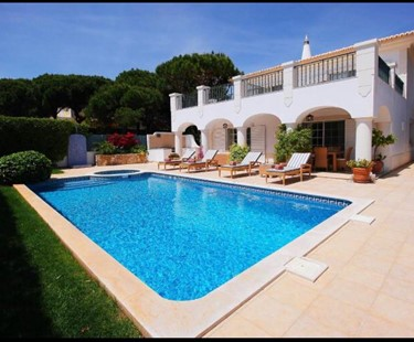 AH2535 - 4 bed Villa Located In Varandas Do Lago