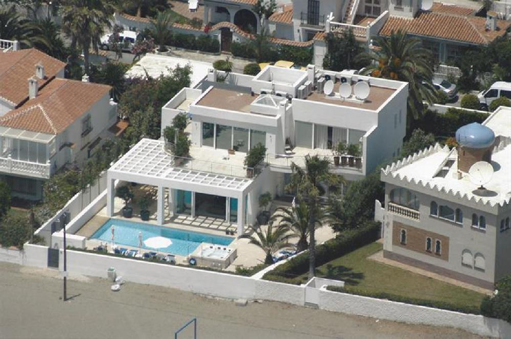 AH2342 - Luxurious Beachfront Villa in Mijas Total 6 bedrooms 7 bathroom incl. Guesthouse